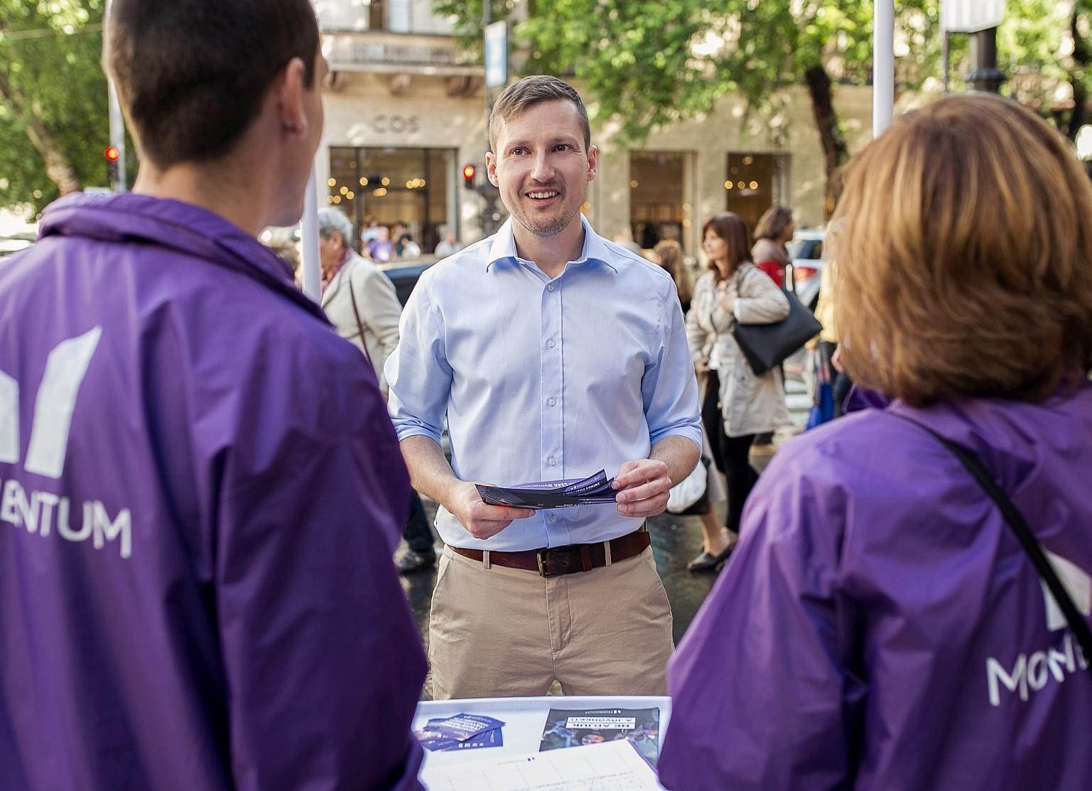 Soproni Tamás Az ellenzék közös polgármesterjelöltje Terézváros Momentum